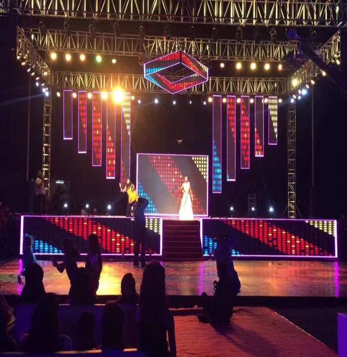 P3 P4 P5 P6 Indoor Led Display Screen For Stage Background / Business Advertsing